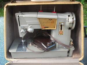 VINTAGE SINGER SEWING MACHINE 328J WITH CASE