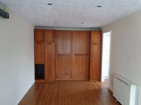 Modern Studio Flat near Chester Rd Stn, Erdington/Sutton Coldfield border