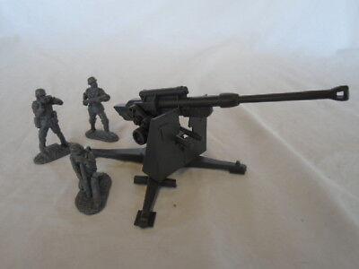 Classic Toy Soldiers WWII German 88MM Cannon w/ 3 man crew - Battleground 1/32