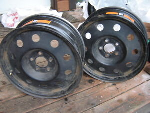 4 Wheel rims  5 bolt, 17 inch, made in USA, Excellent condition