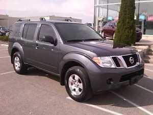 2012 Nissan Pathfinder suv 4x4 London Ontario image 1
