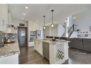 Beautiful Executive Home In Riversong