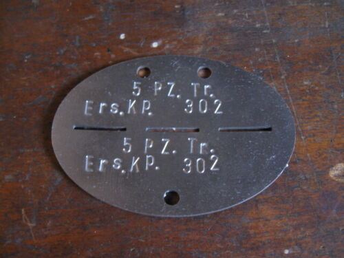 WW2 German dog tag reproductions. Reproduktion Erkennungsmarke