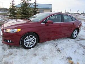 2015 Ford Fusion SE EcoBoost *VERY LOW KM'S*
