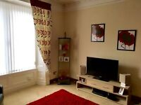 1 BED SPACIOUS FLAT. 1 April. Well presented top floor. Security entrance. GCH. Double glazed