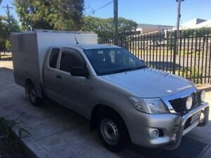 Toyota Hilux 4.0 litre SR Xtra Cab AUTOMATIC - with Pacific Bodyworks service body
