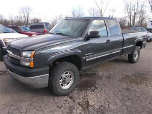 2003 Chevrolet Silverado 2500HD Long box! 2 Year Warranty!