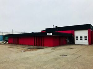 Commercial building/office space/fenced yard.
