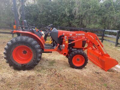 2014 Kubota B3300 Compact Farm Tractor With Loader - 4x4 - Hydrostatic