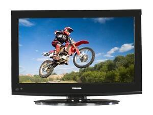"Toshiba 32"" LCD HD TV - Like New! Comme Neuf!"