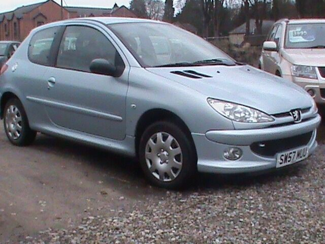 PEUGEOT 206 LOOK 1.4 3 DR SILVER 1 YRS MOT IDEAL 1ST CAR CLICK ON VIDEO LINK FOR MORE DETAILS OF CAR