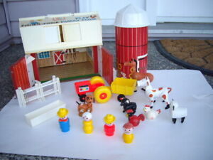 FISHER PRICE VINTAGE BARN, SILO, ACCES