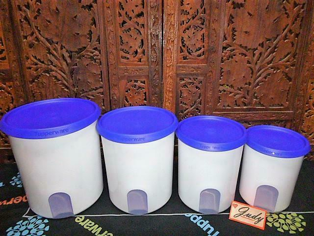 Tupperware 4 White Reminder Canisters + 4 BLUE Seals ~BRAND NEW = GREAT-GIFT