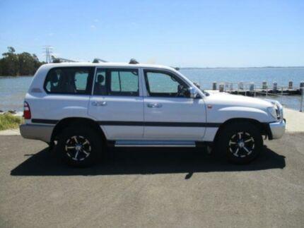 2004 Toyota Landcruiser UZJ100R GXL (4x4) White 5 Speed Manual Wagon Dapto Wollongong Area Preview