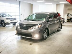 2014 Toyota Sienna SE, Leather Bolsters, Heated Seats, Back Up C