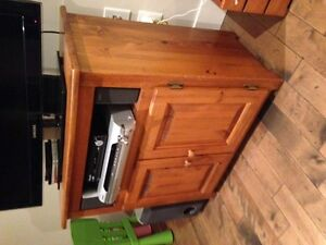 Wheatons TV Stand - perfect condition
