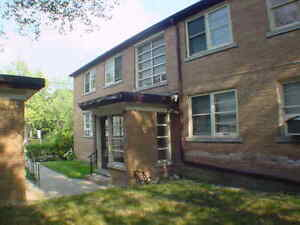 Spacious 2 Bedroom Apartments - Avenue Road and Lawrence