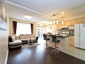3 bedroom townhome w/finished basement in Markham