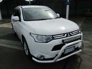 2013 Mitsubishi Outlander ZJ MY14 LS (4x4) White 6 Speed Automatic Wagon Invermay Launceston Area Preview
