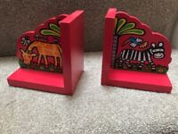 KIDS BOOK ENDS