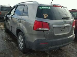 PARTING OUT 2012 KIA SORENTO London Ontario image 3