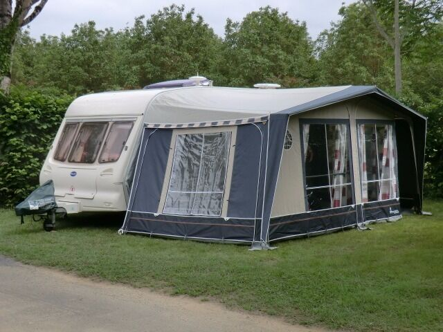 Isabella Ambassador Moonlight Awning 900 Excellent Condition With Lightweight Carbon X Frame