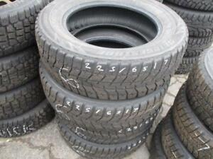 205/55R16 BRIDGESTONE RUNFLAT SNOW ON FACTORY BMW RIMS