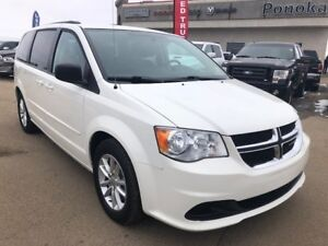2013 Dodge Grand Caravan SXT Stow-N-Go, Nav, Carproof Clean