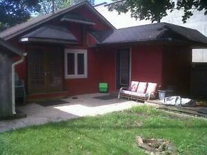 Beautiful Crystal Beach Cottage for Rent available Sept 10th