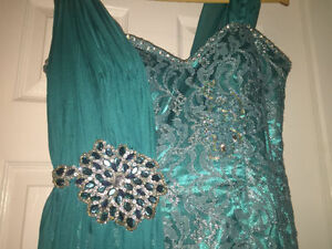 Beautiful Teal Evening Gown Windsor Region Ontario image 4