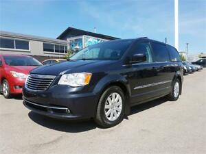 2014 Chrysler Town & Country Touring - Power Tailgate, SirusXM