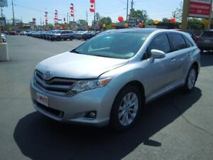 2013 TOYOTA VENZA BASE- SUNROOF, LEATHER INTERIOR, REAR VIEW CAM