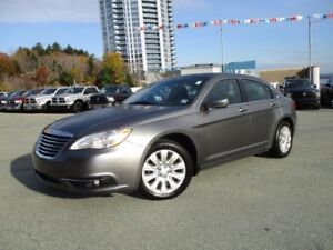2013 Chrysler 200 Touring 2.4L (88000 KM, HEATED SEATS, REMOTE S