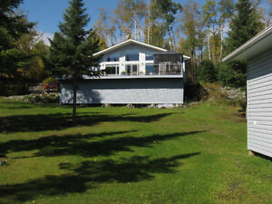 Waterfront Cabin - Lake of The Woods - Kenora/Keewatin Ontario