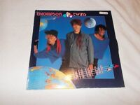 Vinyl LP In To The Gap – Thompson Twins Arista 205971 Stereo 1984