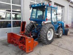 Ford 1920 TRACTOR LOADER BACKHOE WITH SNOWBLOWER 4X4