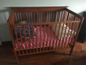 adjustable baby crib