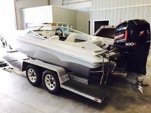 1994 Checkmate 21ft Speed Boat w/ Connelly Tandem Aluminum 4-Bun