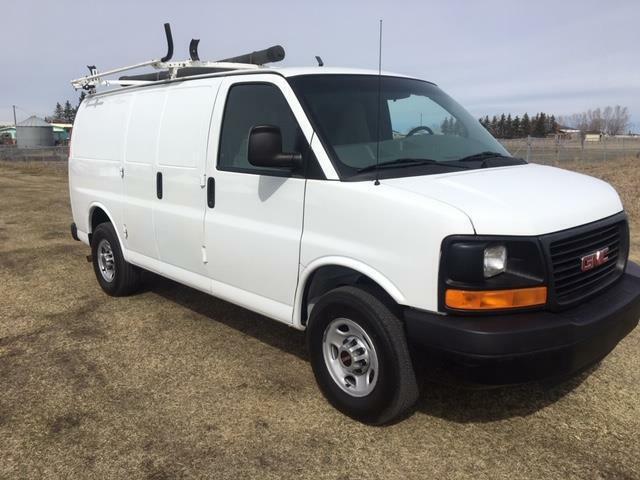 bb08de19c5 2011 GMC Savana Cargo Van