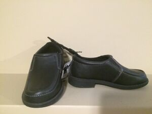 Healthtex Boy's Black Dress Shoes - Size 9 - Brand new!