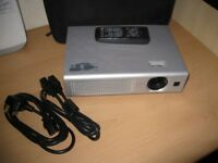 HITACHI CP-RS55 HOME CINEMA / OFFICE PROJECTOR