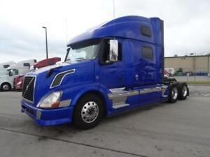 2013 Volvo VNL64T-780 Loaded and Clean!!