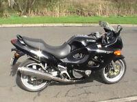 Suzuki Gsx600fx motorcycle 1999 black , years mot , serviced, fully restored.