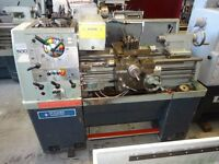 COLCHESTER MASTER 2500 STRAIGHT BED CENTRE LATHE 25 INCH CTRS