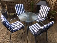 METAL GARDEN TABLE & 4 CHAIRS / CUSHIONS SET IN GREAT CONDITION