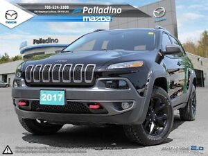 2017 Jeep Cherokee Trailhawk - LOADED LOW LOW MILEAGE + BACKUP C