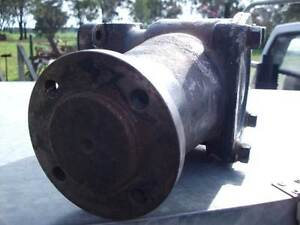 Fordson Belt Pulley Attachment & IH Crawler pulley. Huntly Bendigo Surrounds Preview