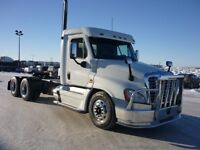 2009 Freightliner Cascadia, Used Day Cab Tractor
