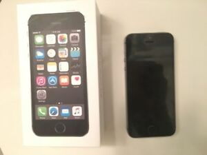 iPhone 5S 16GB - Black / Space Grey - LIKE NEW - FIDO