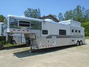 4-Star Trailer 3 Horse Living Quarters 15' - All Aluminum SALE